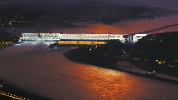 Konvenčná vodná energia: Priehrada Tri rokliny v Číne